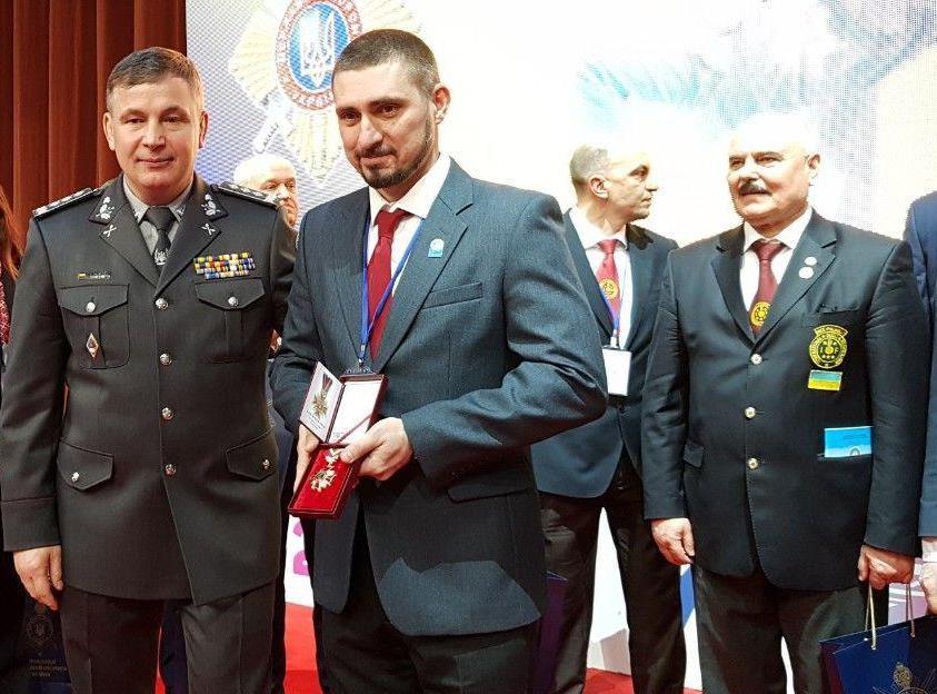 Викладача ДДУВС нагороджено пам'ятним знаком  «За честь і славу»