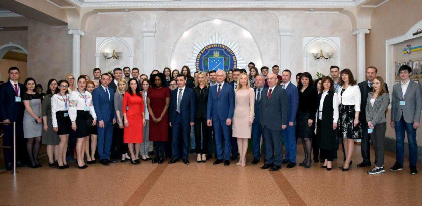 ІV Міжнародний саміт зібрав талановитих та перспективних студентів з усієї України
