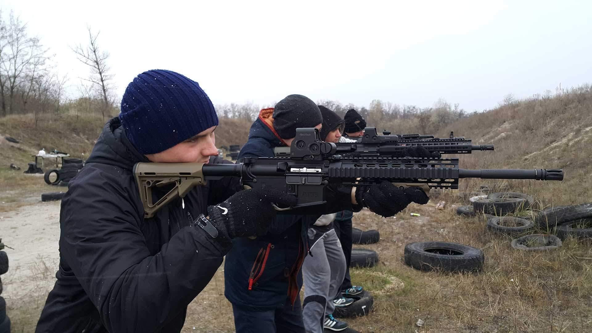 Заняття зі стрільби на полігоні навчально-тренувального центру