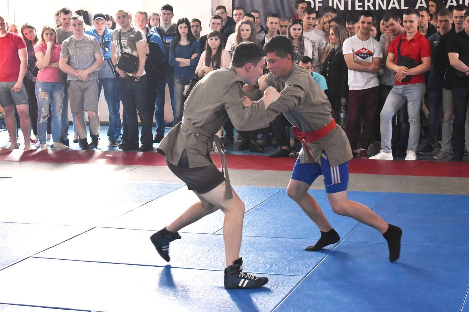 Учасники змагань із боротьби самбо