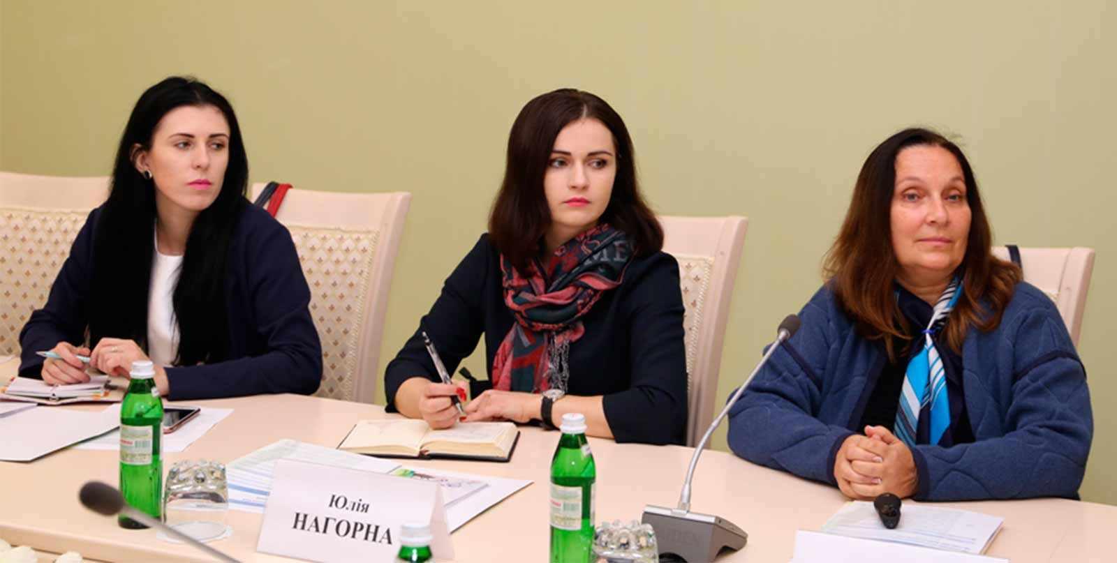 Старші викладачі кафедри українознавства та іноземних мов Катерина Тимофіїва та Юлія Нагорна