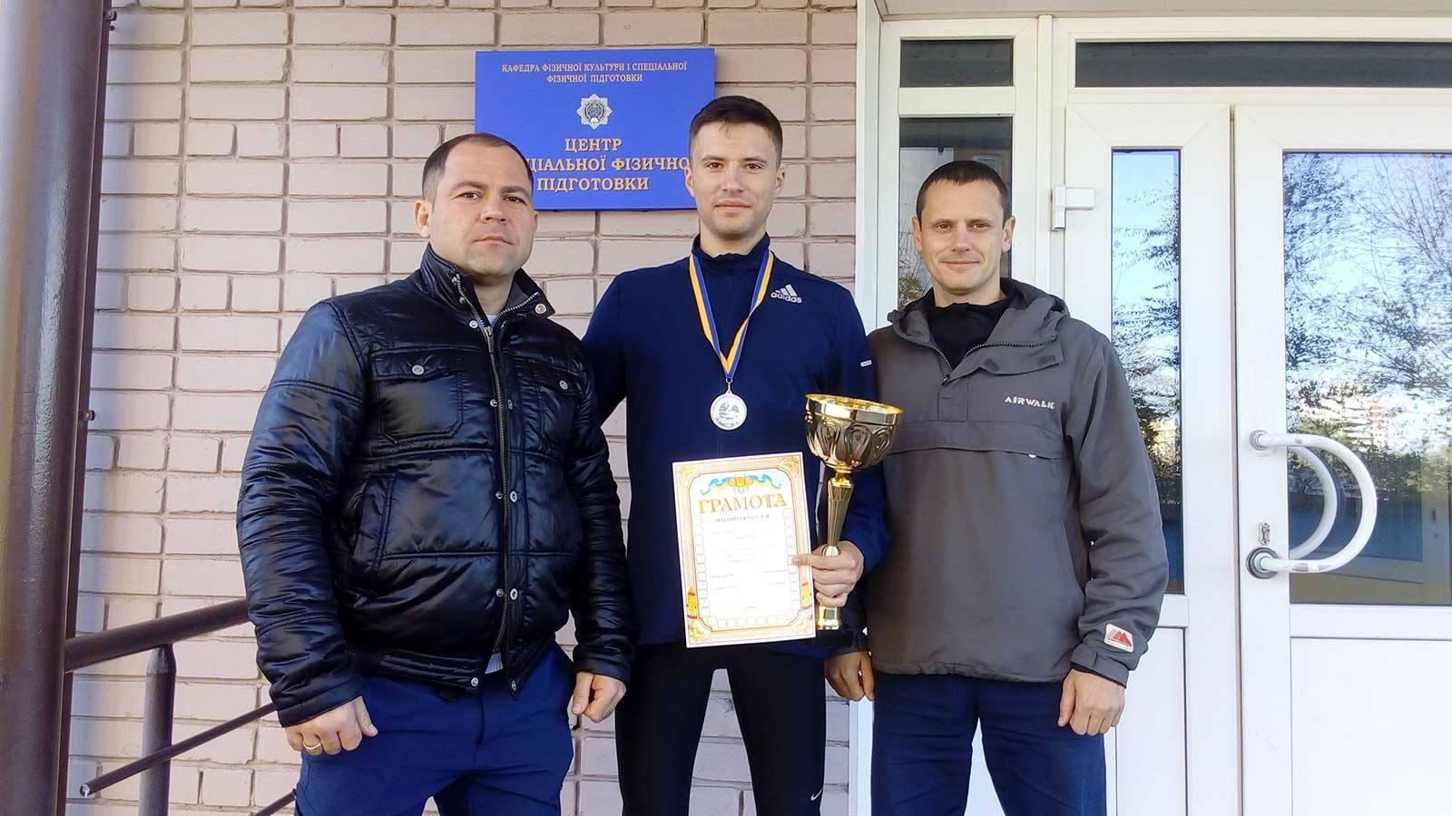 Чемпіонат України з легкої атлетики - курсант ДДУВС здобув срібло.