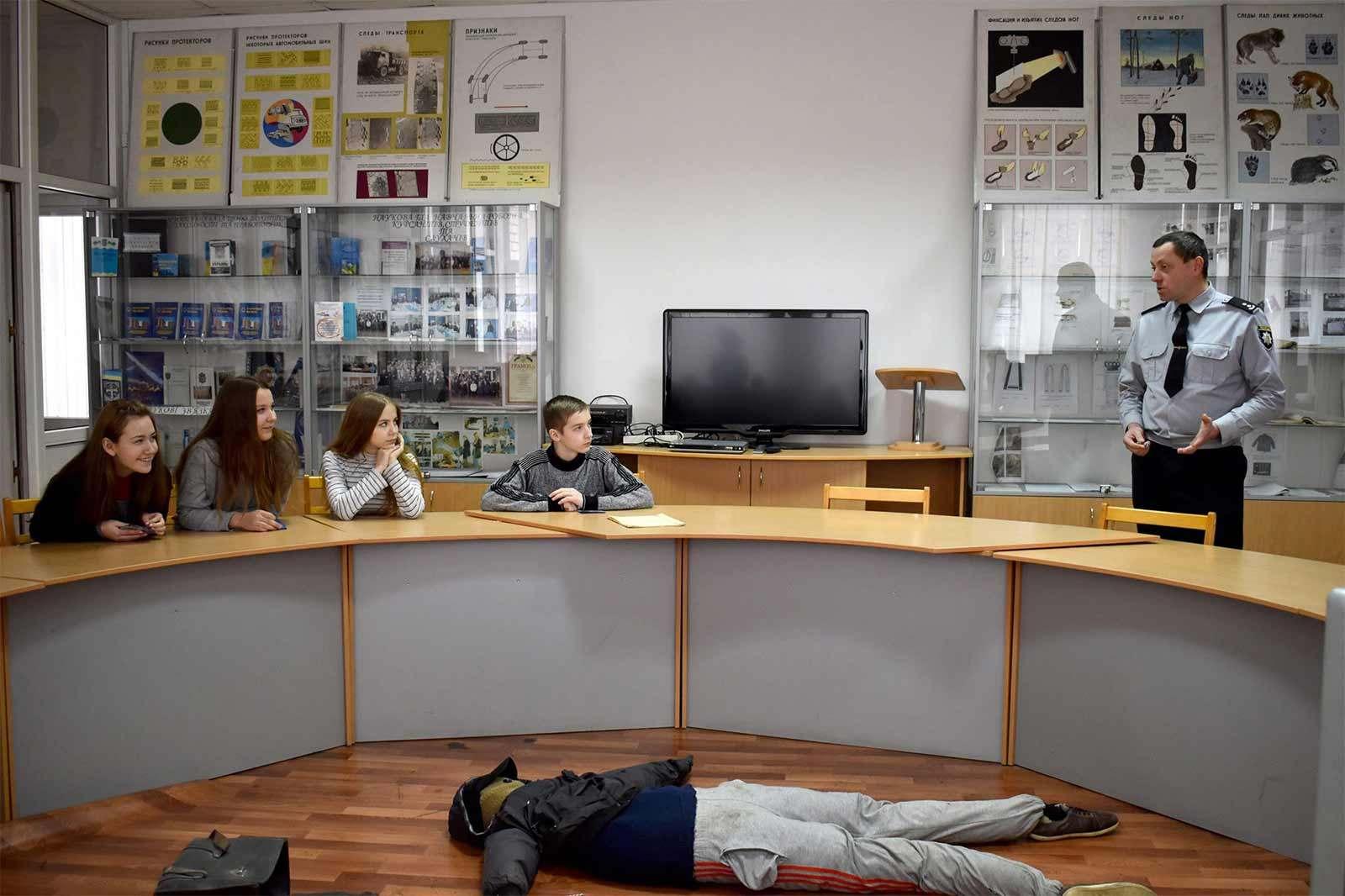 До Дніпропетровського державного університету внутрішніх справ завітали учні середньої загальноосвітньої школи