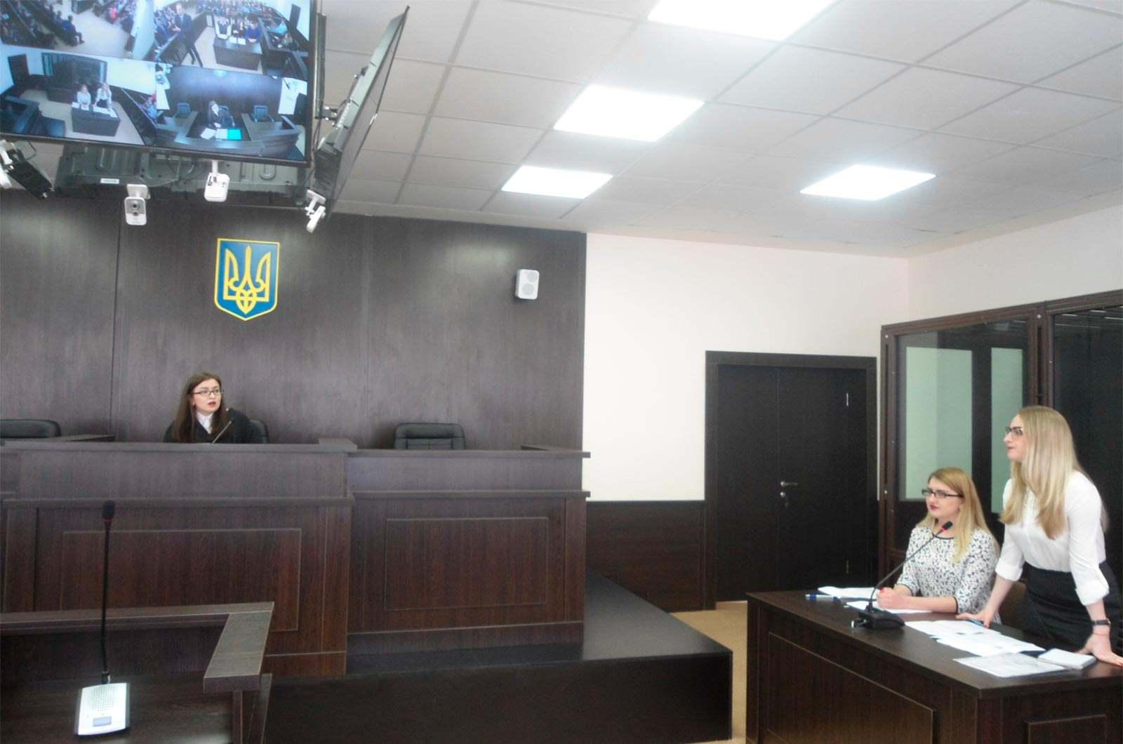 У залі судових засідань університету проведено модельне судове засідання.