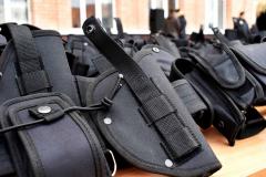 90 комплектів поліцейського спорядження.