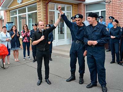 Перший напружений тиждень табірного збору для новобранців Дніпропетровського державного університету внутрішніх справ завершився весело, співочо та активно.