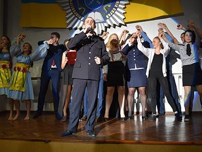 Офіцерів та співробітників ДДУВС привітали з Днем вихователя