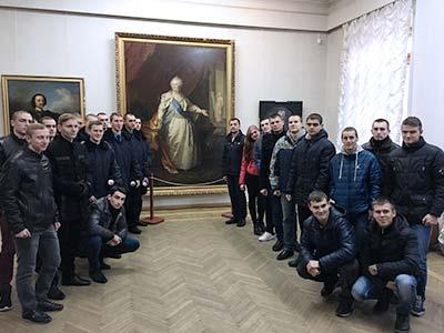 Курсанти познайомилися з творчістю видатного українського художника Миколи Глущенка