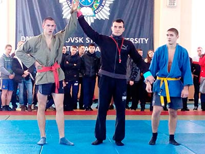У Дніпропетровському державному університеті внутрішніх справ пройшла командна першість із боротьби самбо