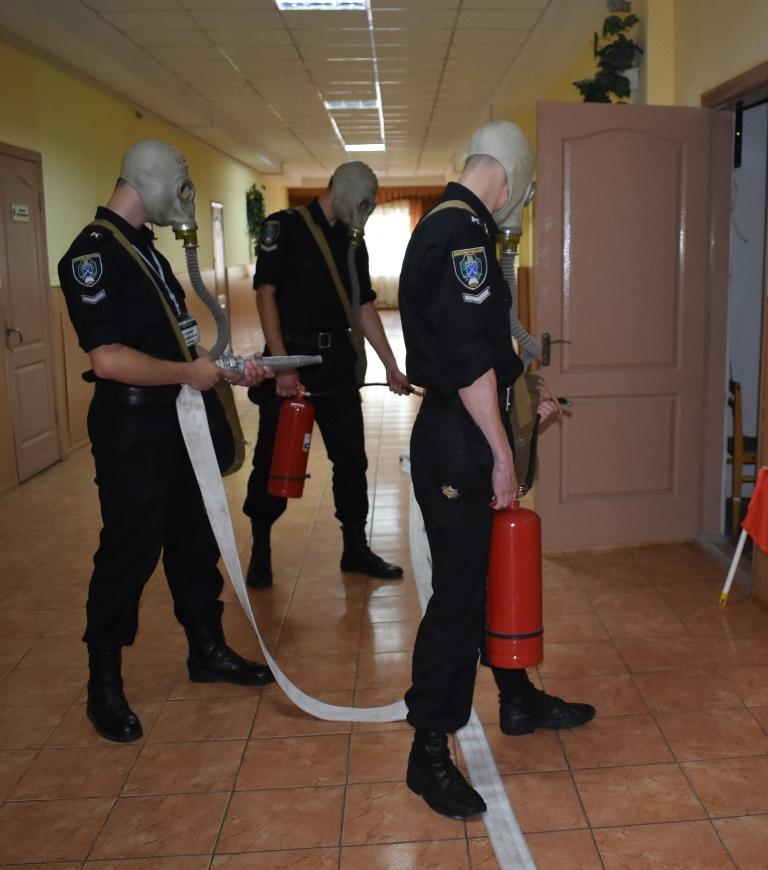 В університеті пройшли тренування з евакуації людей при пожежі