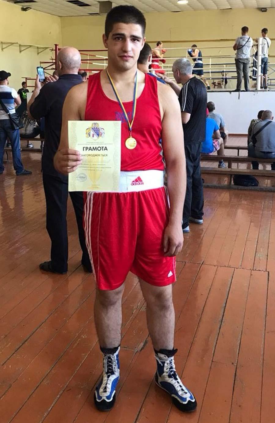 Найсильніші боксери Дніпропетровщини навчаються у ДДУВС