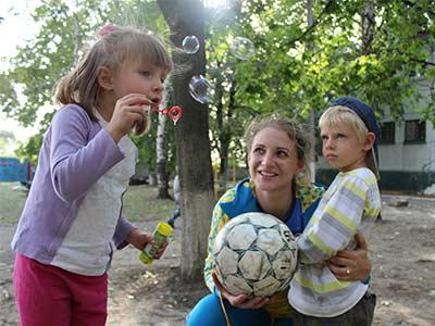 Курсанти університету організували для дітей-сиріт спортивне свято та пригостили солодощами