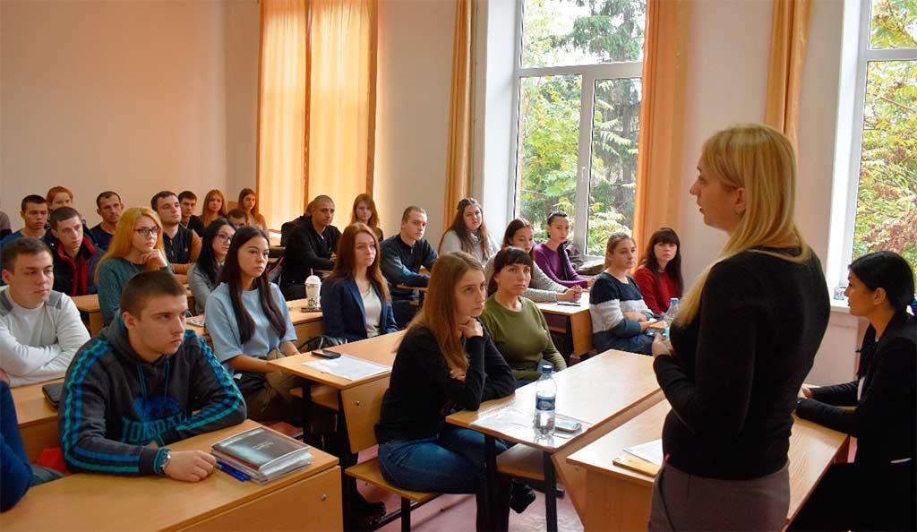Університет працевлаштовує випускників