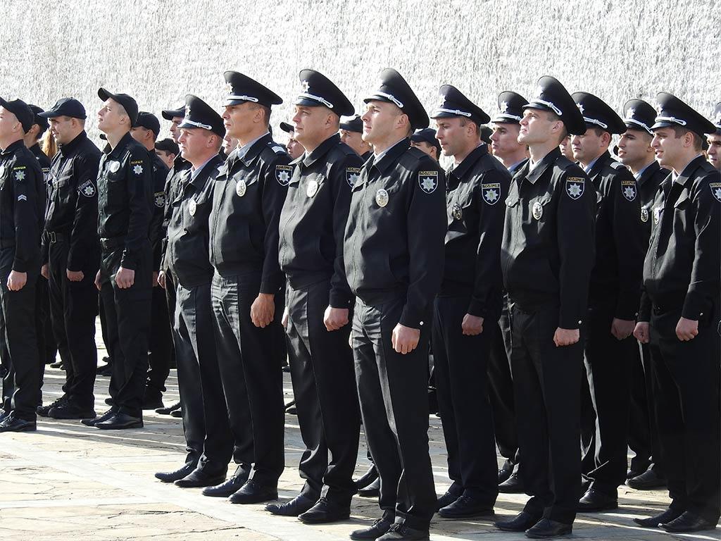 Присягу склали 128 поліцейських.