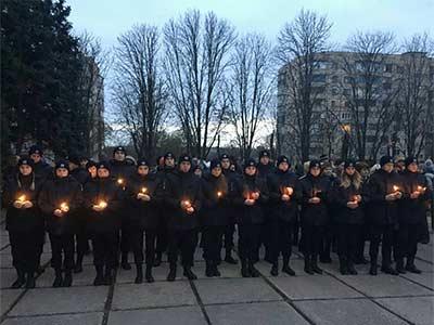 На Криворізькому факультеті Дніпропетровського державного університету внутрішніх справ відбулись жалобні заходи з нагоди Дня пам'яті жертв голодоморів.