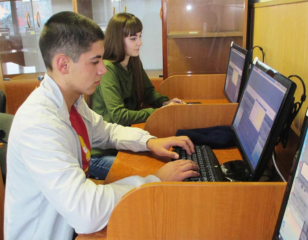 В університеті пройшли змагання зі швидкісного набору тексту на комп'ютері