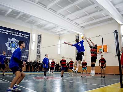 В університеті відбулися міжфакультетські змагання з волейболу