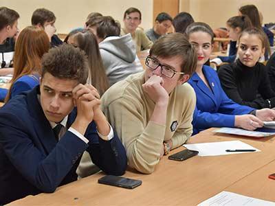 Проведення на базі кафедри соціально-гуманітарних дисциплін ДДУВС саб-кластеру «Іноземна мова в сфері юридичної практики».