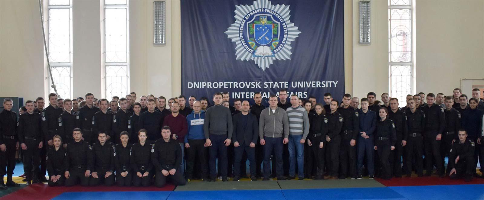 Курсанти випускного курсу продемонстрували спортивно-прикладні навички з рукопашного бою