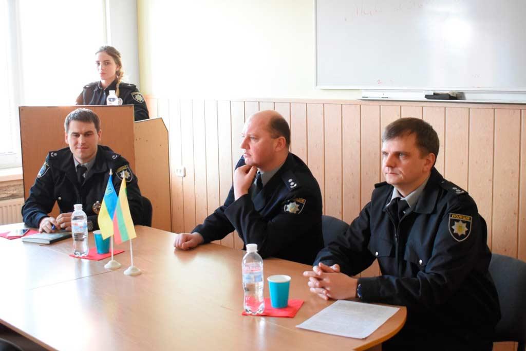 На кафедрі кримінального права та кримінології відбулося засідання наукового гуртка