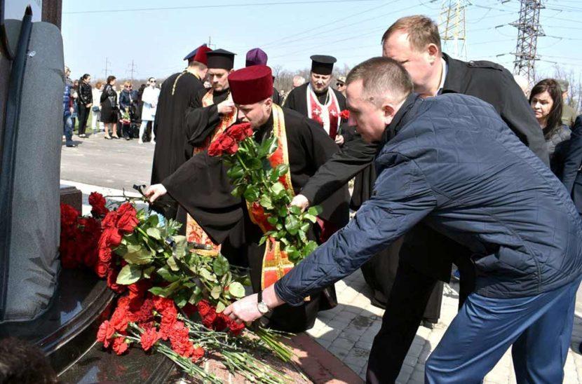 У Дніпрі відбулася траурна панахида за загиблими героями АТО
