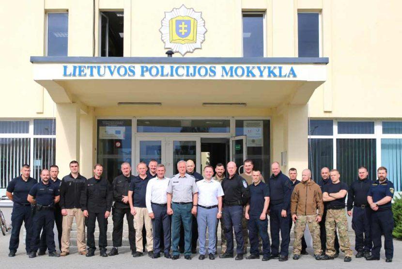 Досвід із Литви: представники ДДУВС взяли участь у тренінгу для поліцейських інструкторів
