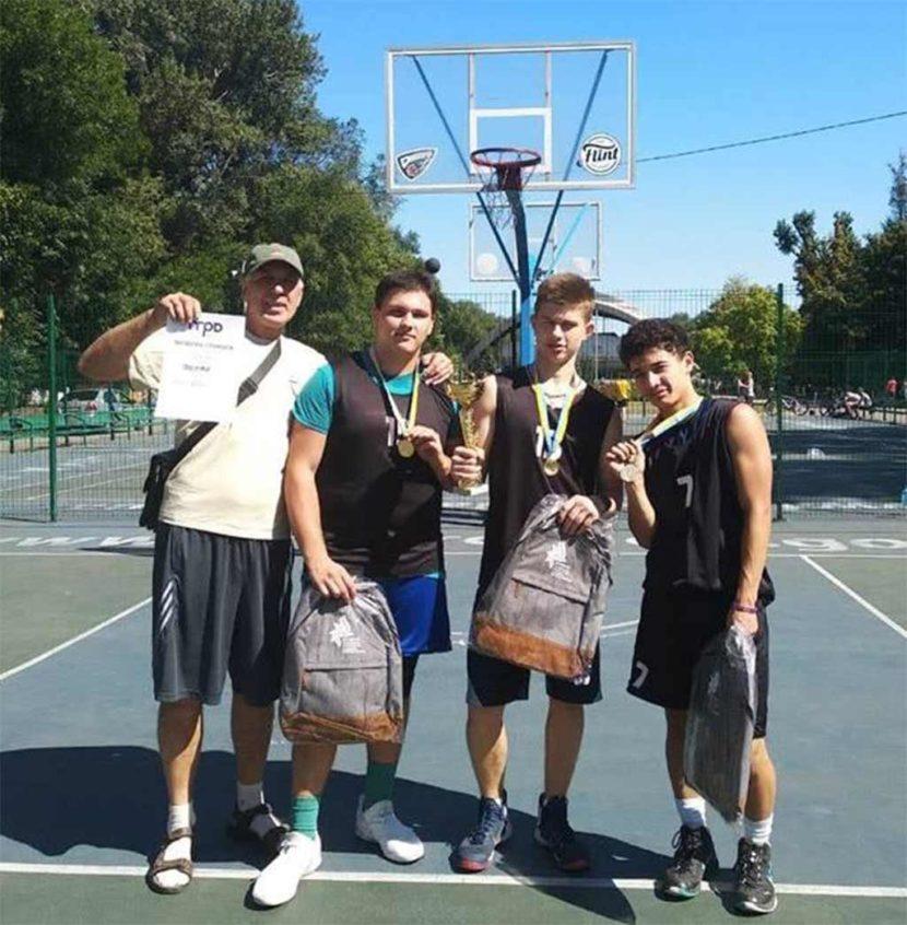 Баскетболісти ДДУВС обійшли 15 збірних Дніпра і стали чемпіонами