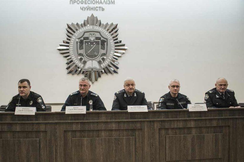 Голова Національної поліції України поспілкувався з курсантами ДДУВС