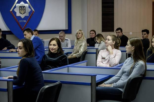 «16 днів проти гендерного насилля»: як представники ОБСЄ презентували кампанію