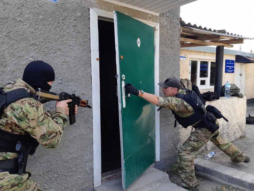 Слухачі «Академії поліції» взяли участь у тренінгу разом зі спецпідрозділом «ЦИКЛОН-СХІД»