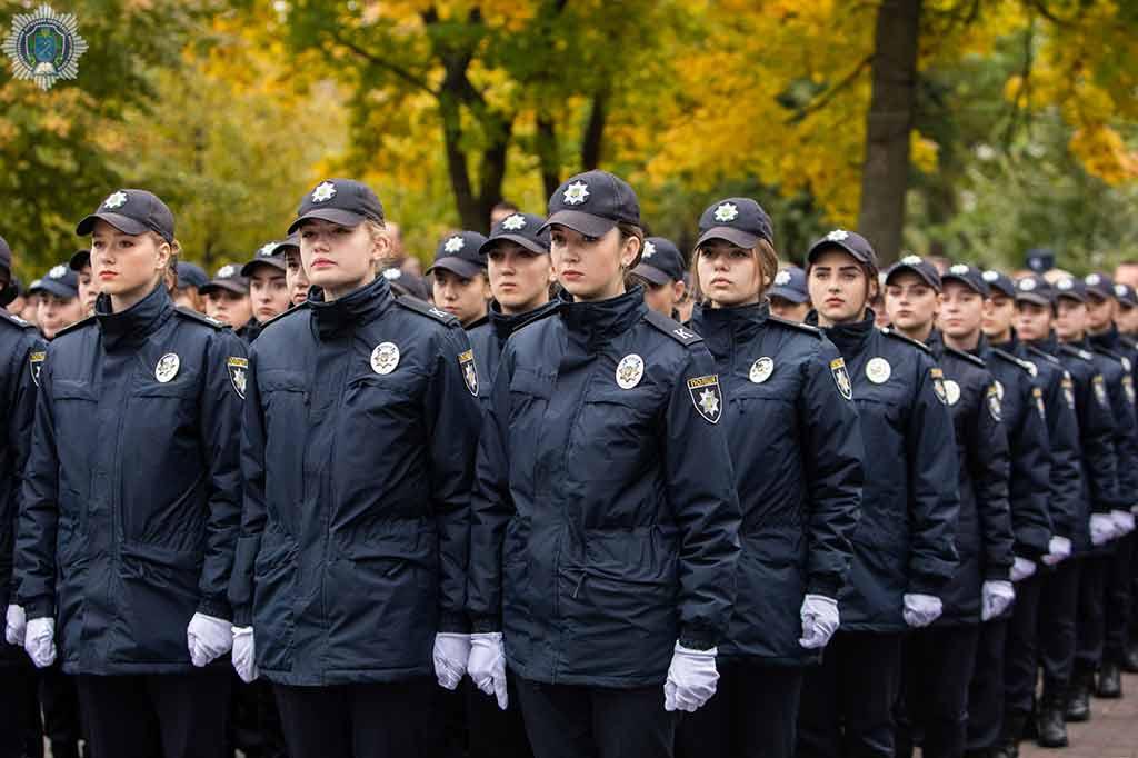 Відповідальність за громадський порядок країни тепер на їхніх плечах: якою була присяга курсантів ДДУВС