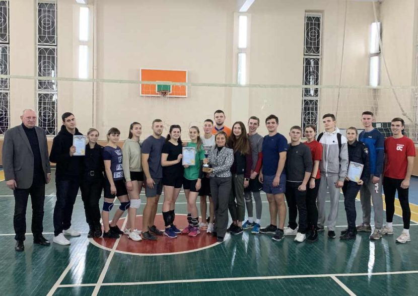 Серед волейболістів ДДУВС визначили найвправнішу команду