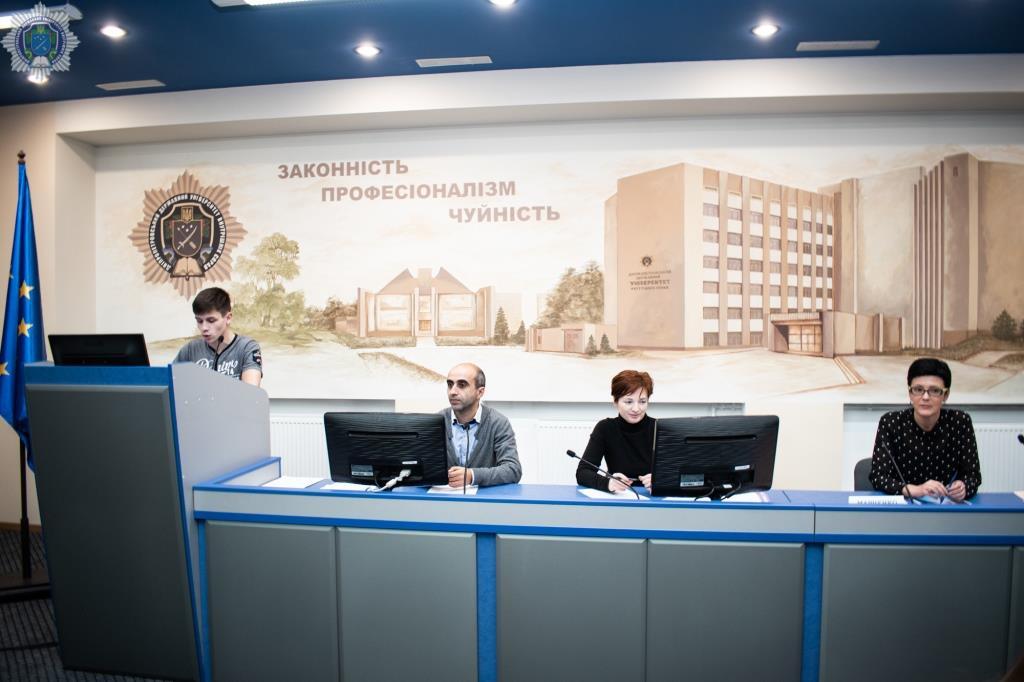Школярі Дніпропетровської та Запорізької областей випробували свої знання в інтелектуальному конкурсі